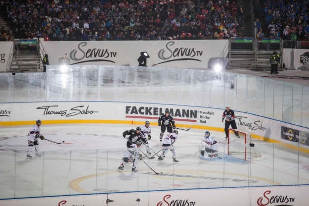 ServusTV_DEL_Winter+Game_2013_THOMAS+SABO+Ice+Tigers+vs.+Eisbären+Berlin+(1024x683) (1)